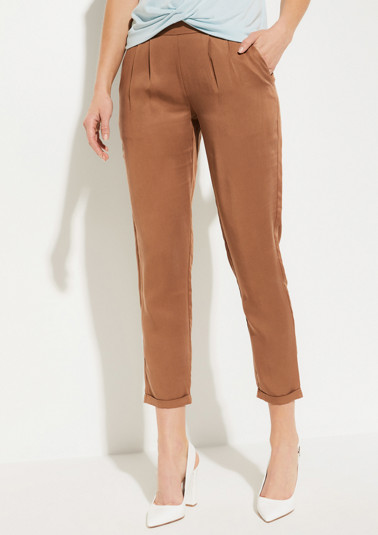Lightweight twill trousers with waist pleats from comma