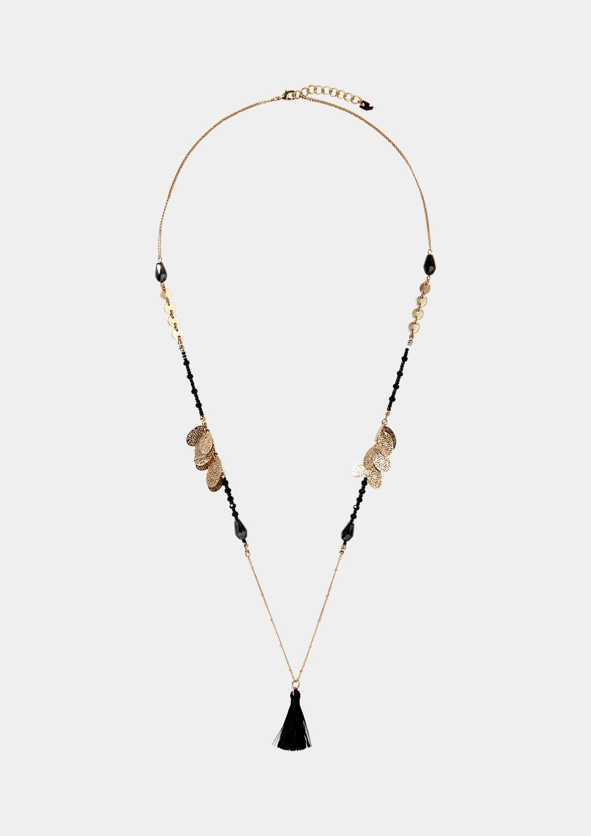 Filigrane Halskette mit umfangreichen Verzierungen