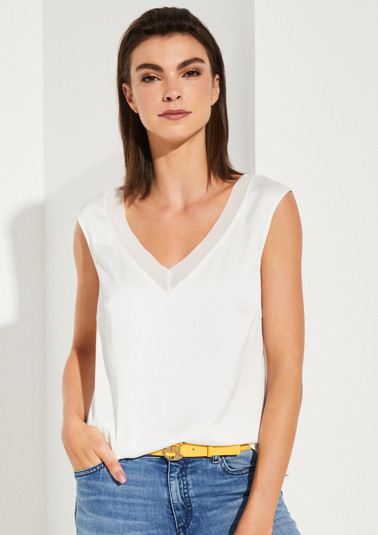 Satin top with exciting details from comma