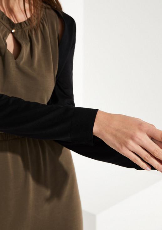 Bolerojäckchen mit langen Ärmeln