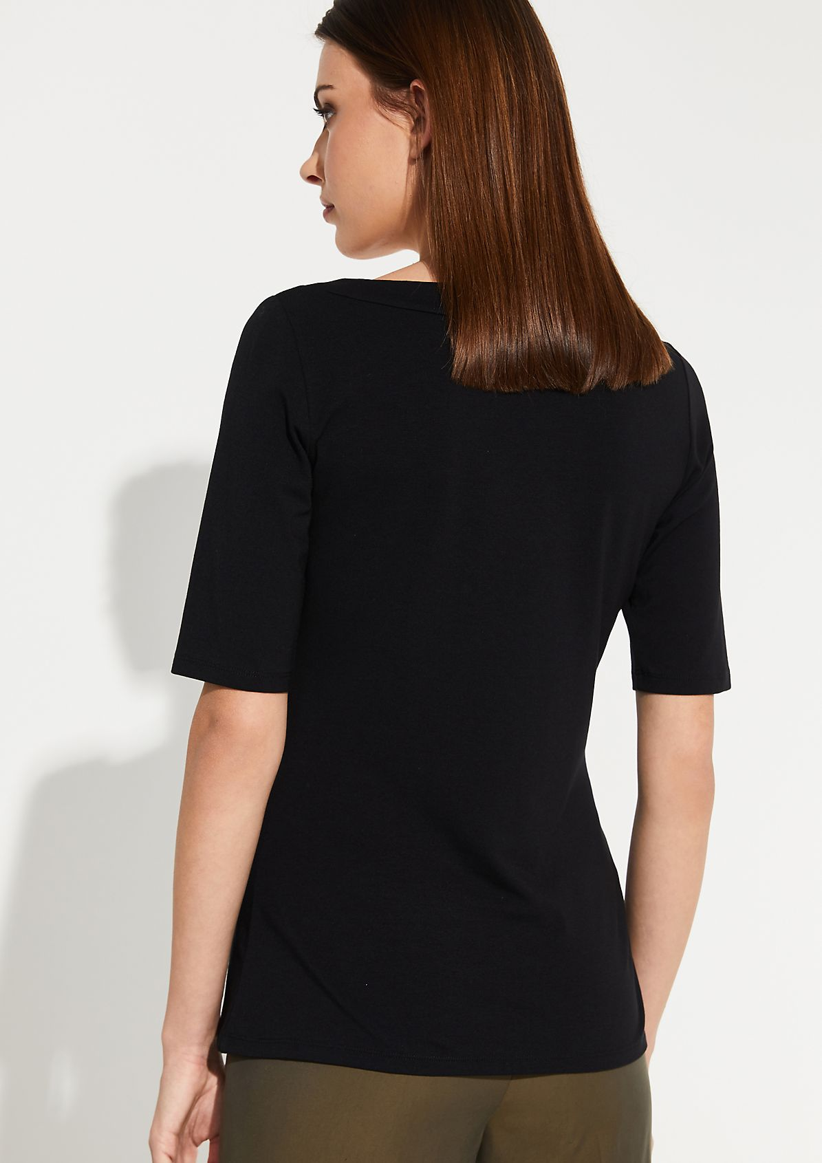 Jersey top with a V-neckline from comma