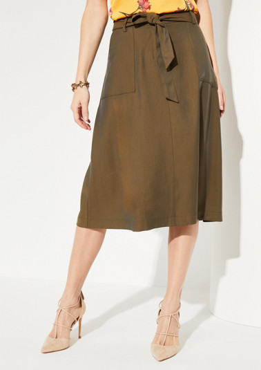 Skirt with a wide fabric belt from comma