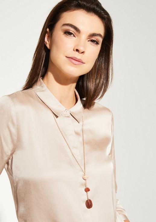 Filigrane Halskette mit Anhängern