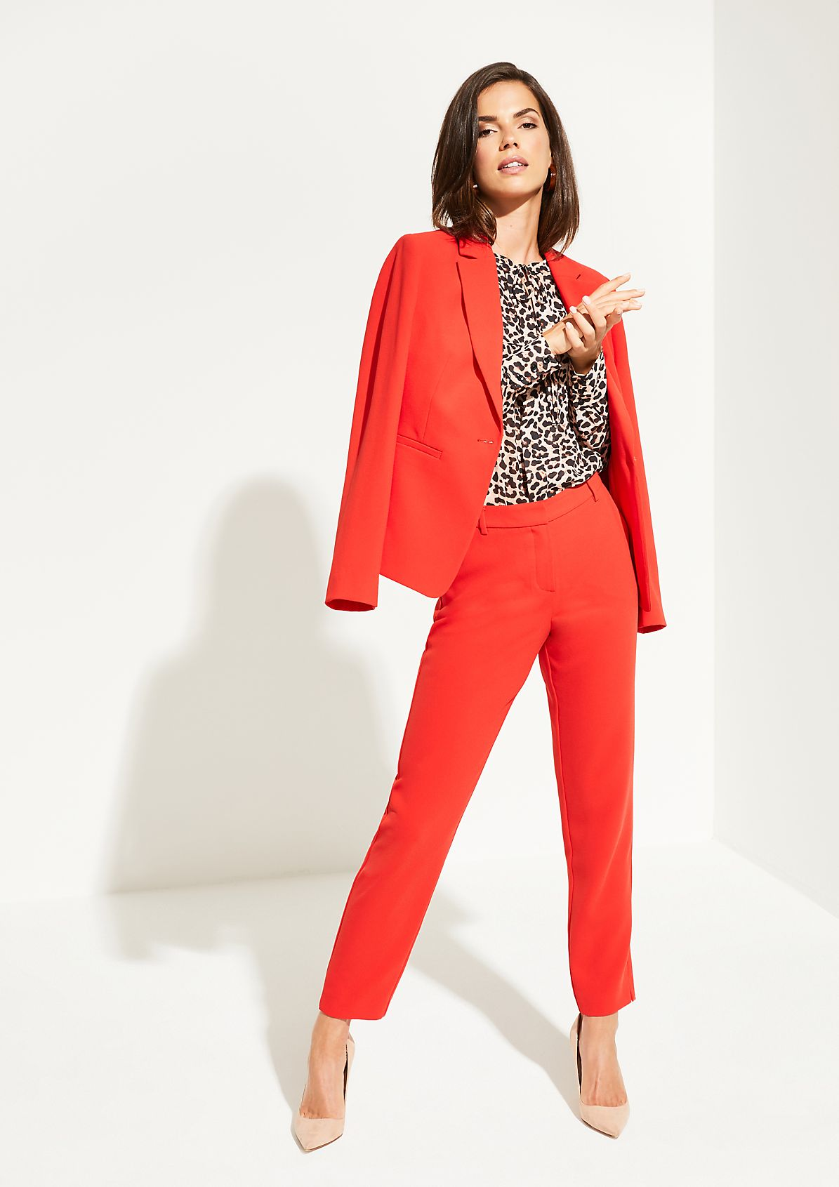 Delicate crêpe blouse with a decorative all-over pattern from comma