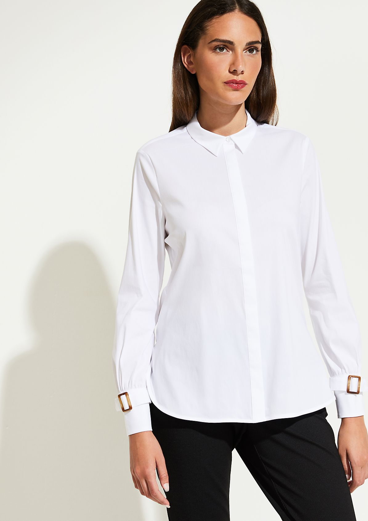 Classic business blouse with smart details from comma