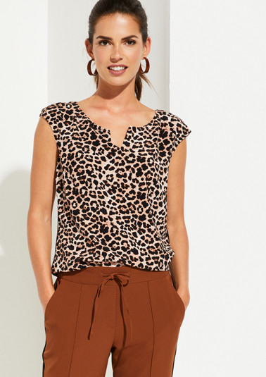 Short sleeve blouse with an extravagant leopard print pattern from comma