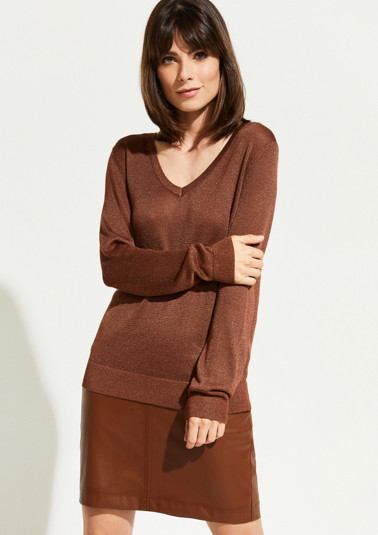 Fine knit jumper interwoven with glitter yarn from comma