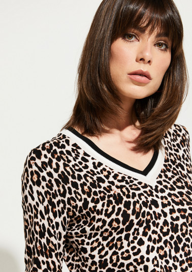 Fine knit jumper with an all-over leopard pattern from comma