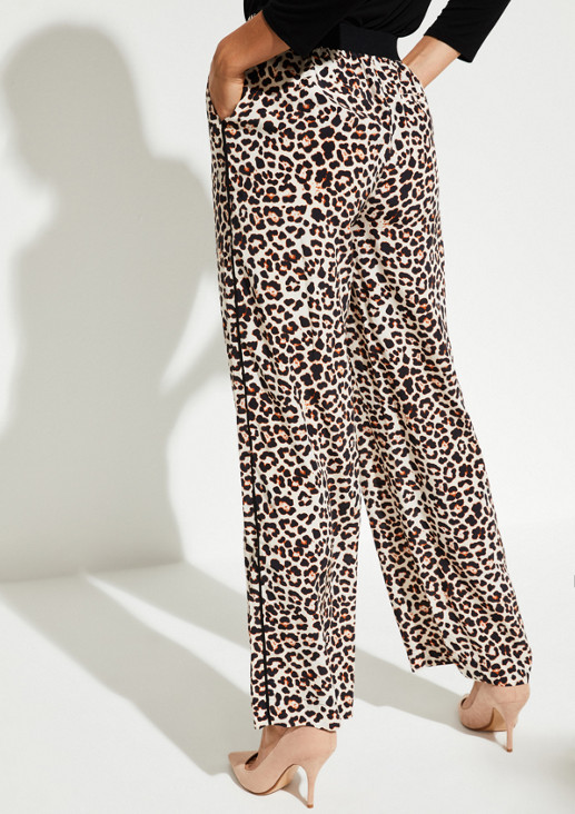 Freizeithose mit aufregendem Leopardenmuster