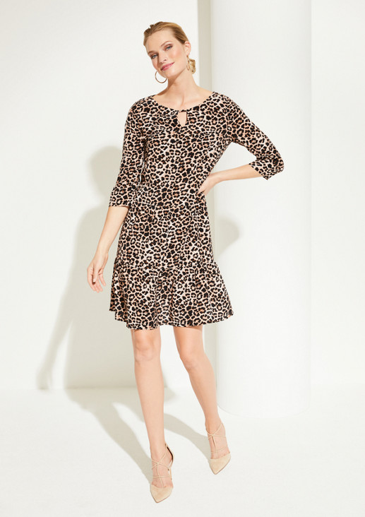 Casual dress with 3/4-length sleeves and a glamorous leopard pattern from comma