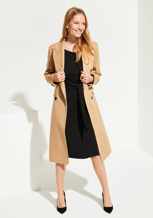 Crêpe dress with fixed belt elements from comma