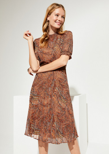 Delicate crêpe dress with a wide belt from comma