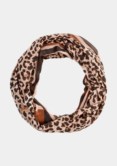 Zarter Loopschal im Leopardenlook