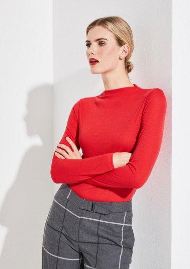 Long sleeve top in a ribbed look from comma