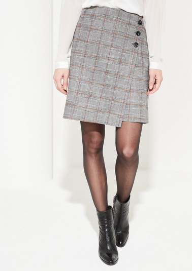 Short skirt with a Prince of Wales check pattern from comma