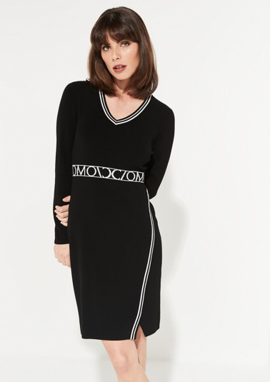 Fine knit dress with a V-neckline from comma