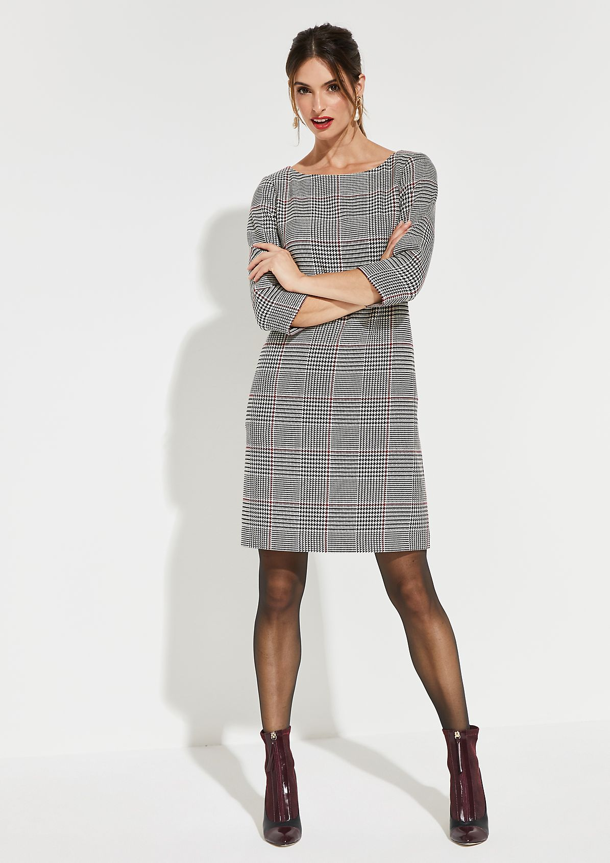 Dress with 3/4-length sleeves and a classic Prince of Wales check pattern from comma