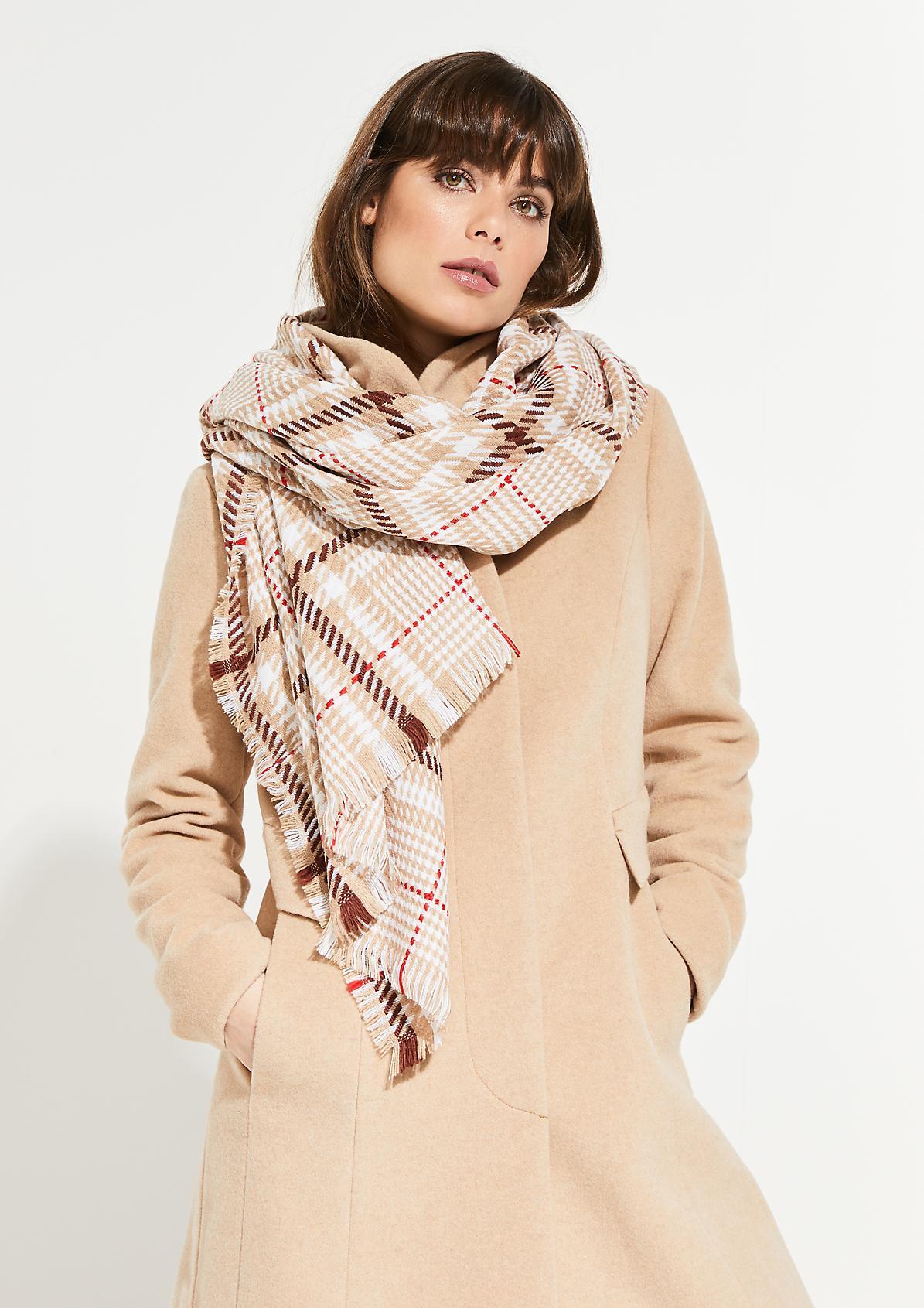 Breiter Schal mit Karomuster