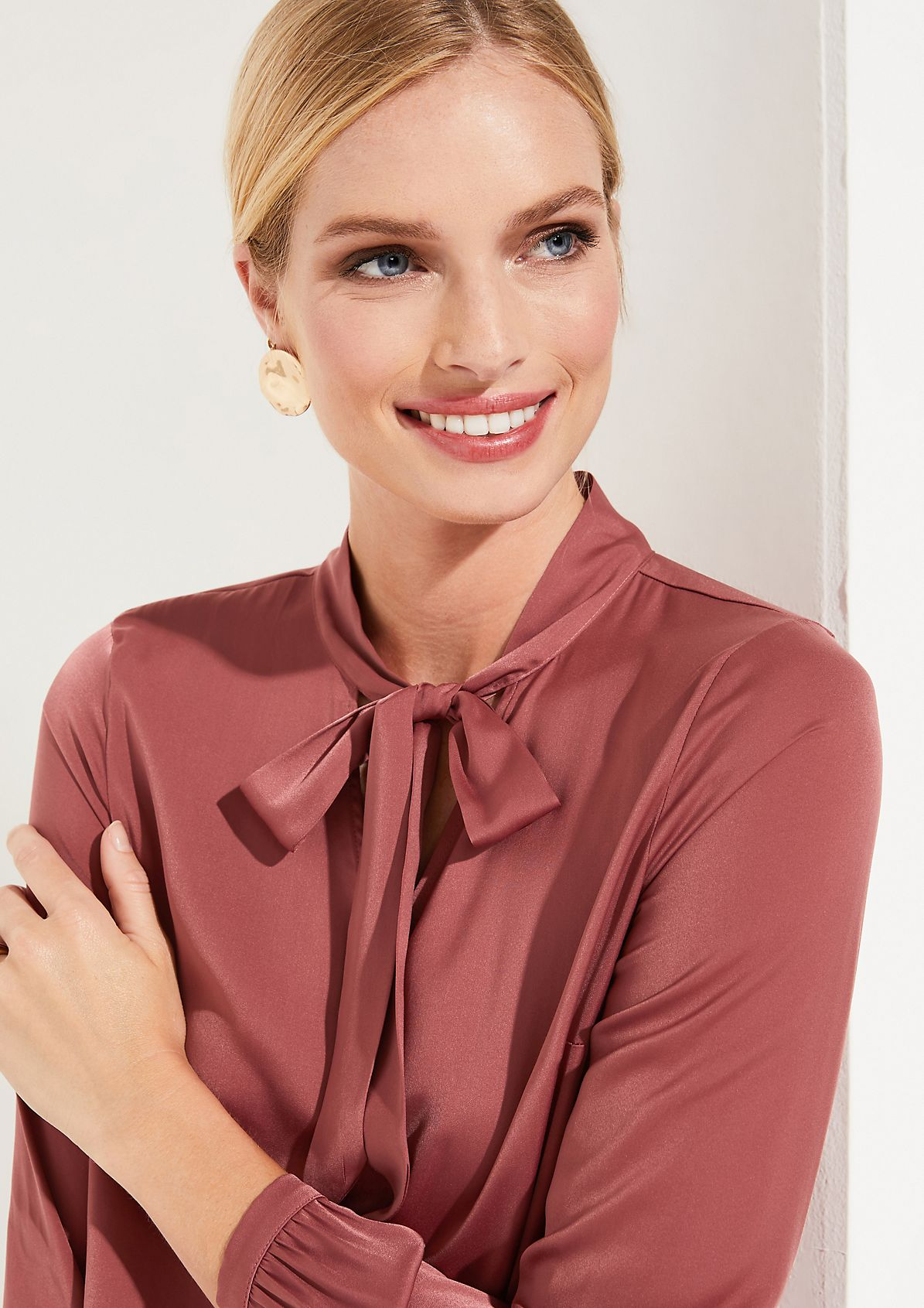 Satin blouse with sophisticated details from comma