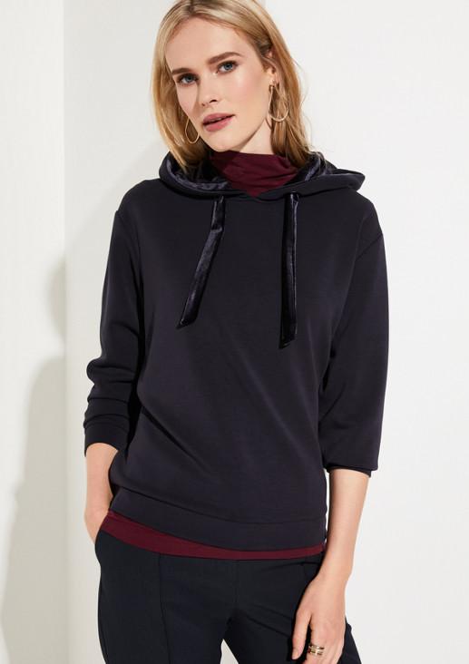 Hoodiesweater mit raffinierten Detailarbeiten