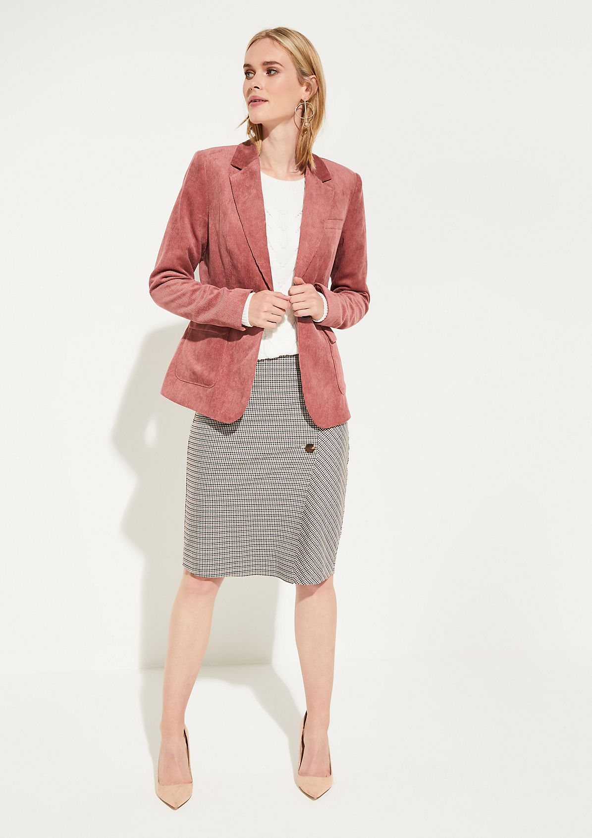 Needlecord blazer with exciting details from comma