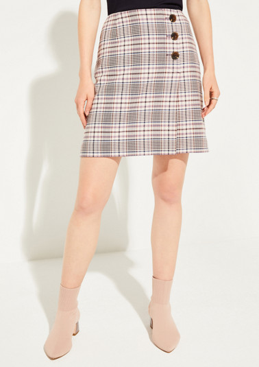 Short skirt with classic Prince of Wales check pattern from comma