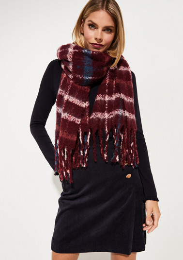 Cosy knitted scarf with check pattern from comma