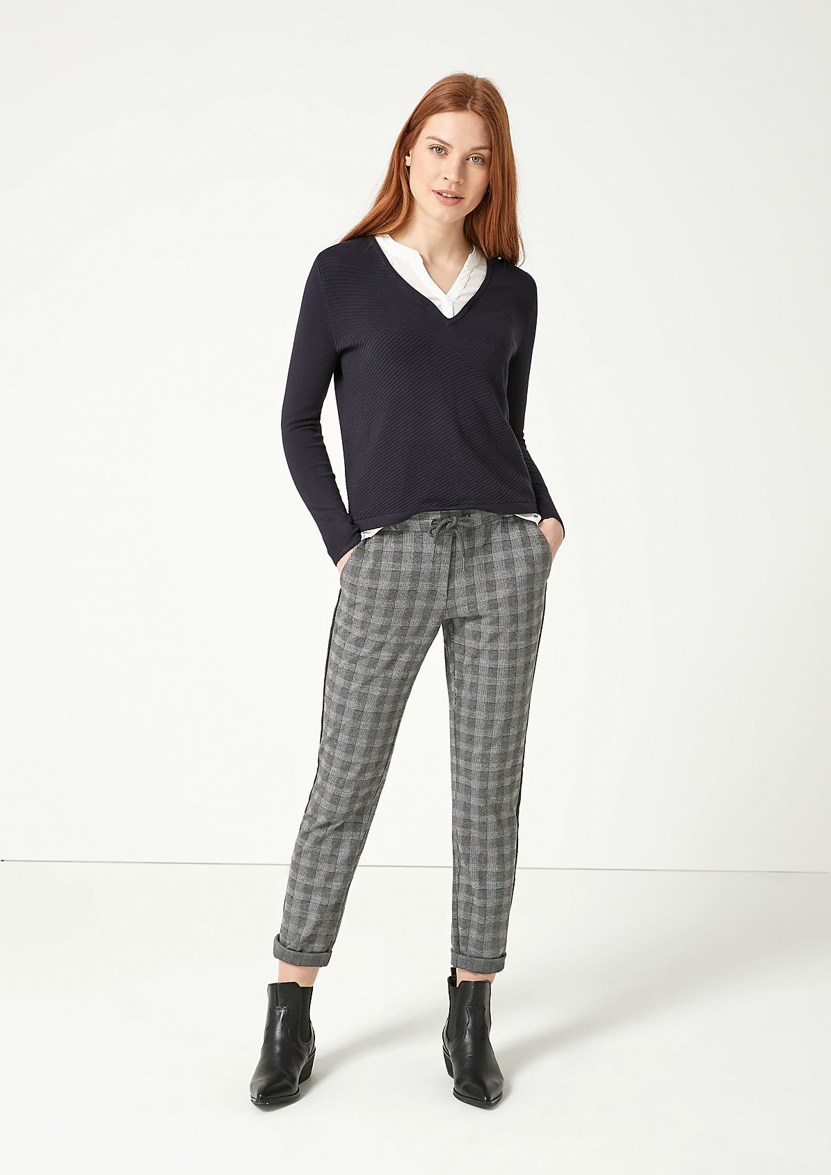 Casual leisure trousers in a check look from comma
