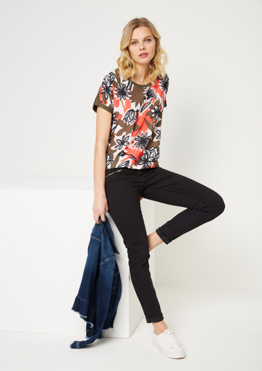Short sleeve T-shirt with a decorative front print from comma
