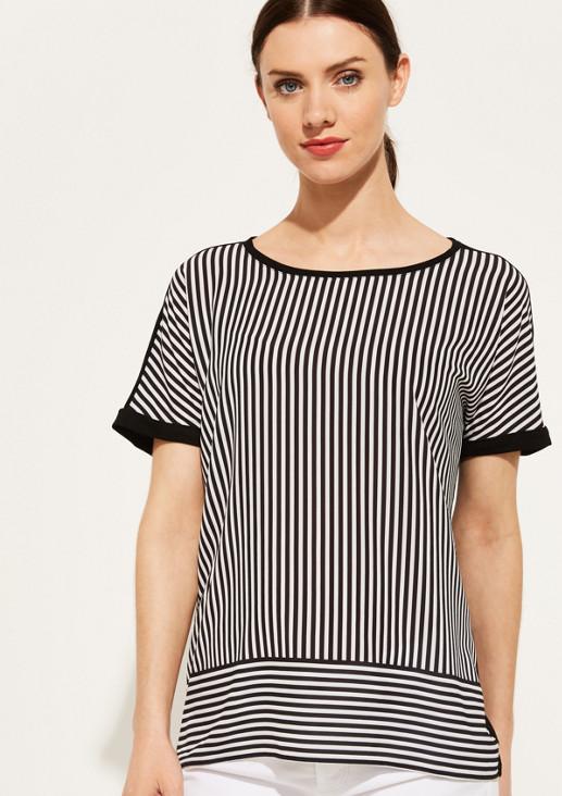Shirt mit dekorativem Frontmuster