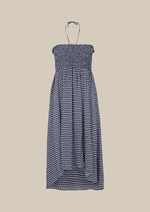 Aufregendes Sommerkleid mit verspieltem Alloverprint