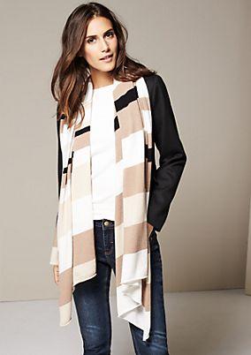 Cosy scarf with a decorative striped pattern from s.Oliver
