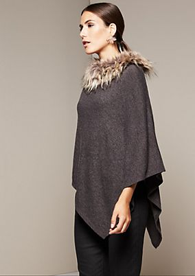 Beautiful knit poncho with a fake fur collar from s.Oliver
