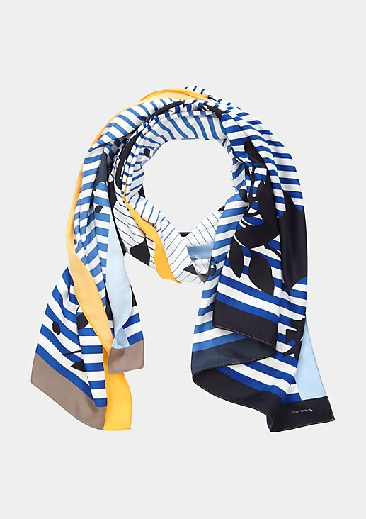 Matt glänzender Schal mit dekorativem Alloverprint