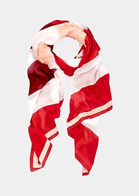 Lässiger Schal mit schönem Musterspiel