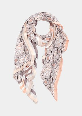 Casual scarf with a beautiful pattern from s.Oliver