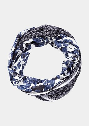 Lightweight snood in a pattern mix from s.Oliver