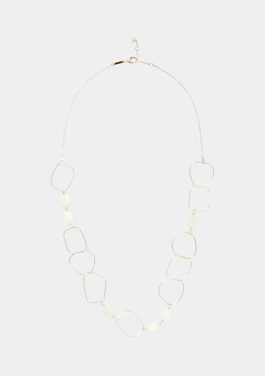 Extravagante Halskette aus asymmetrischen Ringen