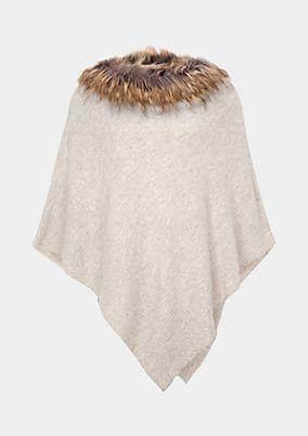 Weicher Strickponcho mit Fake-Fur Kragen
