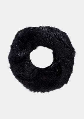 Cosy fake fur scarf from comma