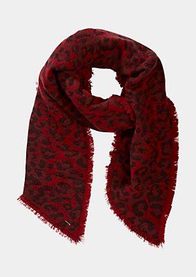 Asymmetric knitted scarf with a leopardskin pattern from comma