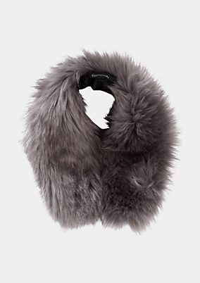 Cosy faux fur collar from comma