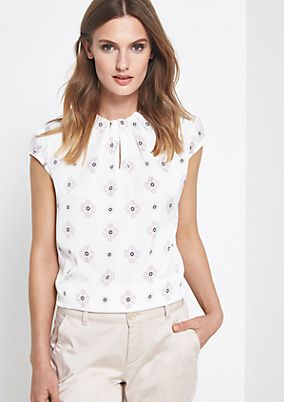 Short sleeve satin blouse with an all-over print from comma