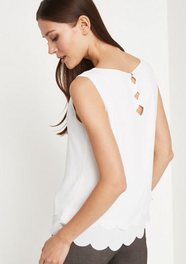 Lightweight crêpe top from comma
