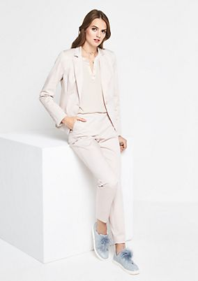 Lightweight business blazer with smart details from comma