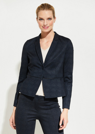 Short business blazer with sophisticated details from comma