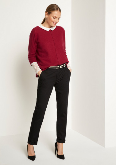 Casual satin chinos with a belt from comma