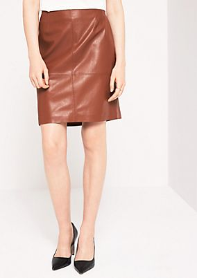Soft imitation leather skirt from comma