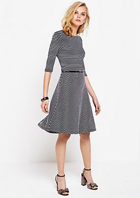 Beautiful dress with 3/4-length sleeves and a sophisticated honeycomb pattern from s.Oliver