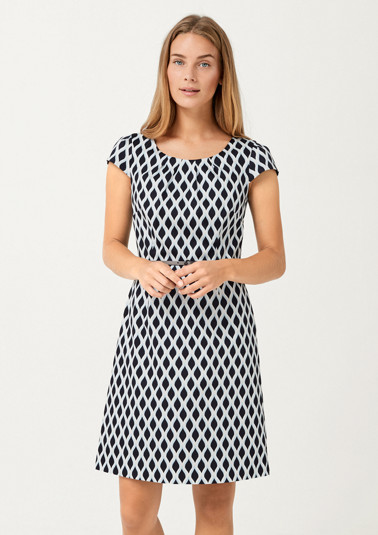 Elegant business dress with a graphic pattern from comma